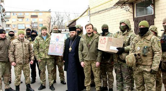 Єпископ ПЦУ в зоні проведення ООС благословив бійців спецпідрозділу поліції «Шторм»