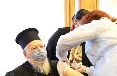 Священнослужителів можуть підняти у черзі на вакцинацію проти COVID-19