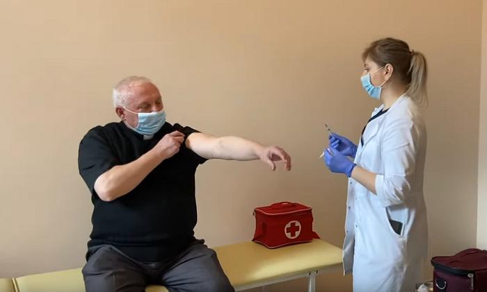 В УГКЦ відбувається вакцинація священнослужителів
