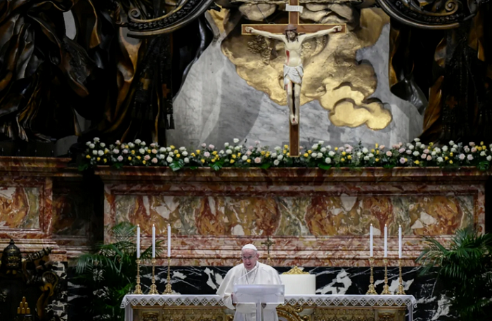 Папа Франциск у великодній промові згадав про війну на Донбасі