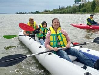 Адвентисти Білгород-Дністровська організували відпочинок на байдарках для дітей з інвалідністю