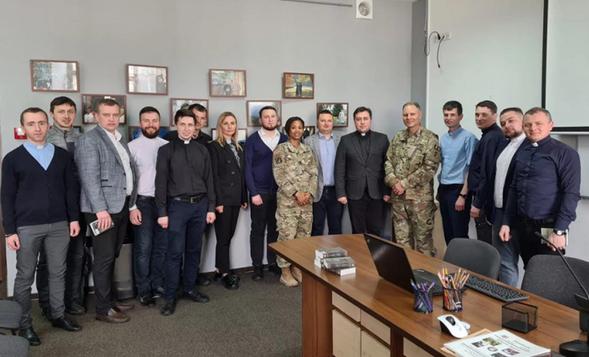 Капелани УГКЦ обговорили особливості служіння з капеланом Збройних сил США