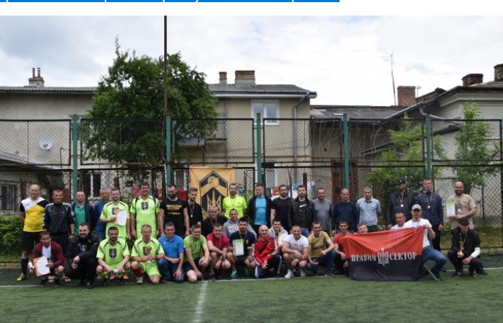Священники УГКЦ зіграли у футбол з ветеранами російсько-української війни