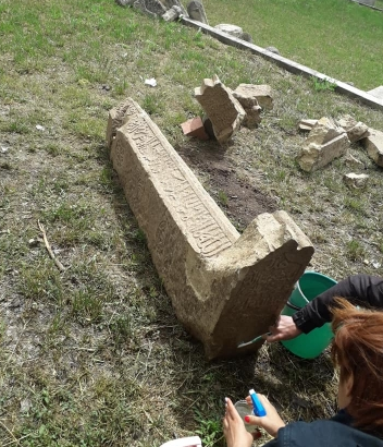 У Криму екскаватором розкопали середньовічний мусульманський цвинтар