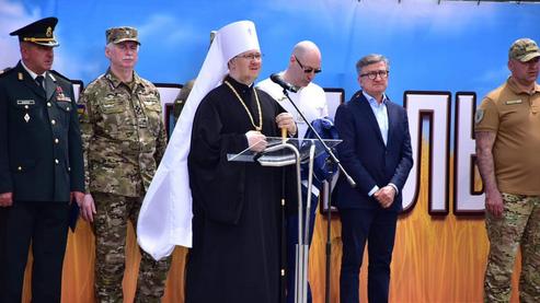 Архієреї ПЦУ взяли участь у святкуванні 7-ї річниці визволення Маріуполя і Щастя від російських окупантів