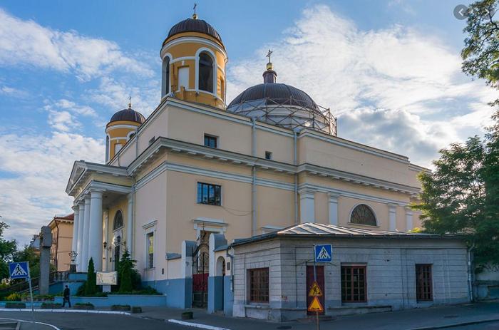 Кафедра Київсько-Житомирської дієцезії РКЦ перенесена з Житомира до Києва