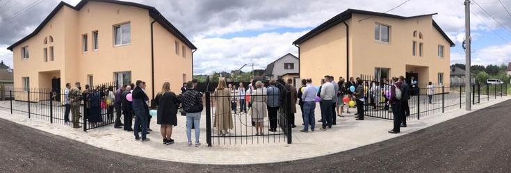 Баптисти побудували два будинки сімейного типу в Житомирі