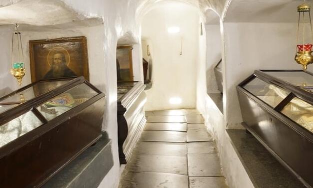 УПЦ (МП) просить владу допомогти врятувати Ближні печери Києво-Печерської лаври