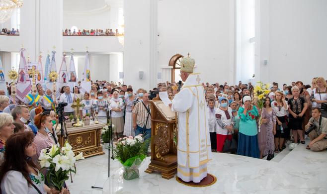 Освячено найбільший храм УГКЦ в Івано-Франківську