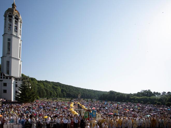 Десятки тисяч греко-католиків взяли участь у прощі до Зарваниці