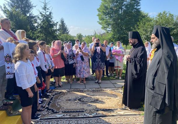 Митрополит Кіпрської Церкви молився у сільському храмі на Рівненщині