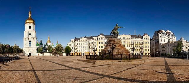 Предстоятелі ПЦУ і Константинопольської Церкви очолять літургію в Софії Київській