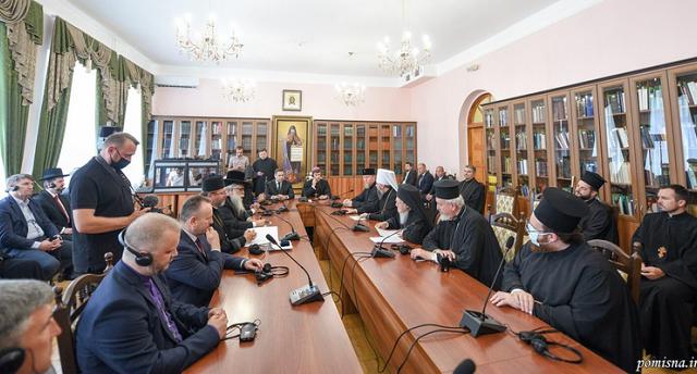 Вселенський патріарх зустрівся з першими особами держави і церков України