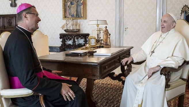 Папа Франциск прийняв на аудієнції апостольського нунція в Україні