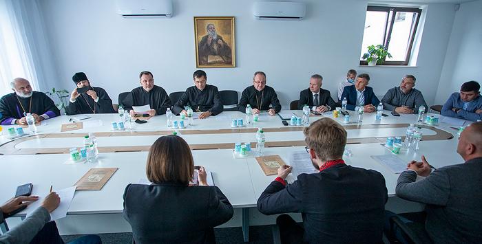 Релігійні діячі і парламентарі домовилися взаємодіяти під час нової сесії Верховної Ради