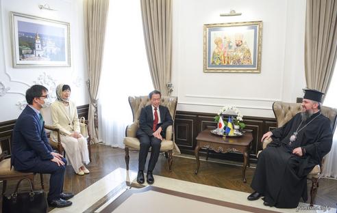 Предстоятель ПЦУ обговорив з послом Японії російську агресію проти України