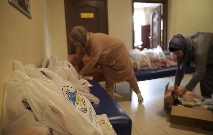 Мусульманки «Мар'ям» допомогли зібрати до школи 170 дітей з малозабезпечених родин