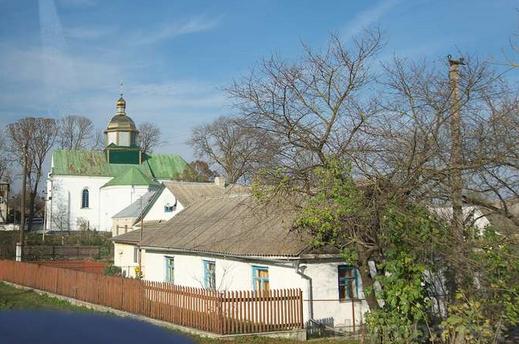 Суд розглянув скаргу жінки, яка примушувала племінника ходити в церкву УПЦ (МП)