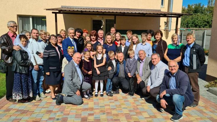 Баптисти відкрили ще два дитячі будинки сімейного типу – на Дніпропетровщині