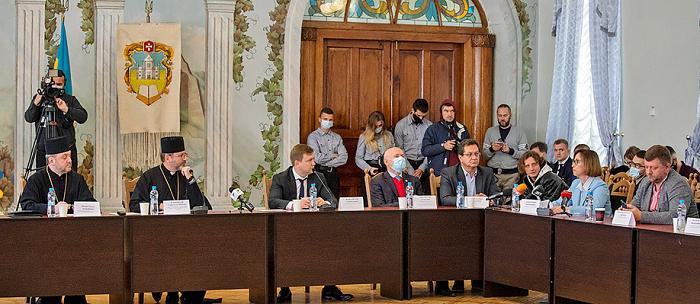 Всеукраїнська Рада Церков виступила за посилення реформ в державній сімейній політиці