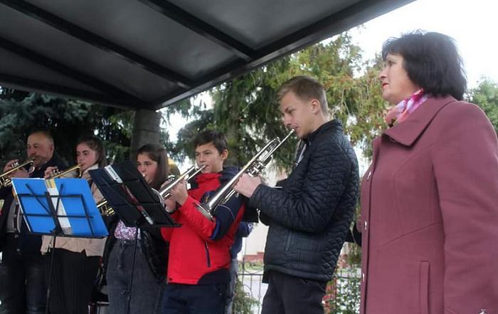На Рівненщині священник створив духовий оркестр