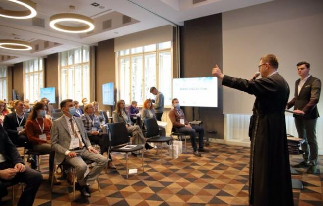 Єпископ УГКЦ виступив на медичному конгресі у Львові