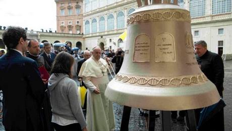 Папа Римський освятить для України дзвін «Голос ненароджених»