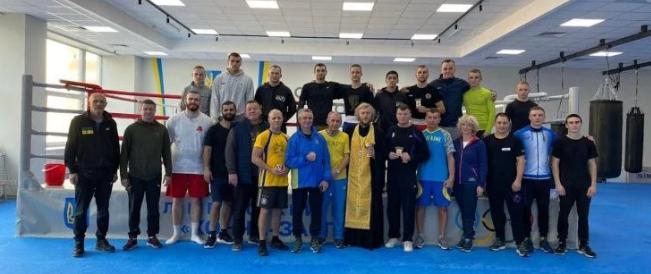 Священник УПЦ (МП) благословив спортсменів збірної України на чемпіонат світу